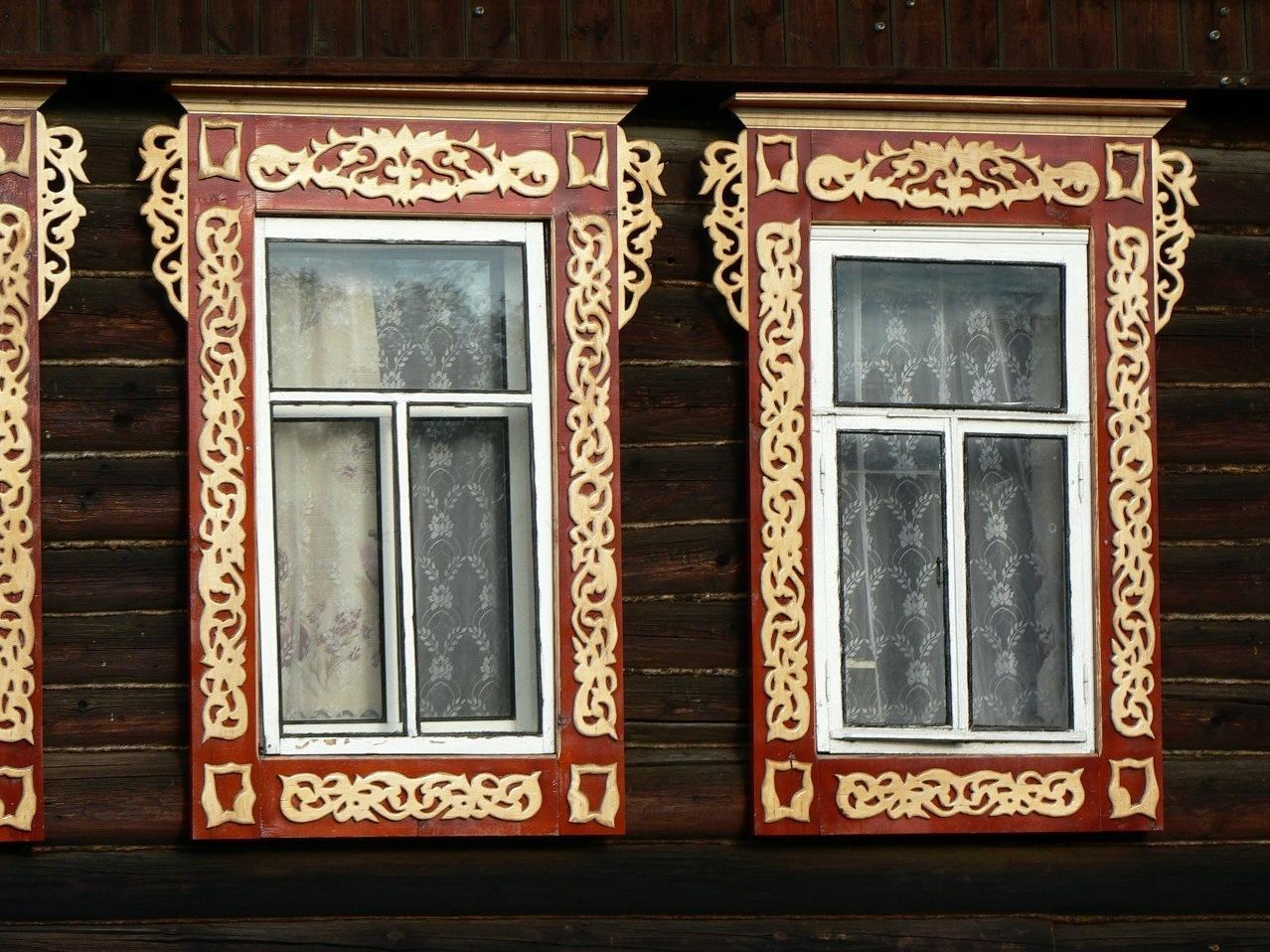Простые деревянные наличники на окна своими руками 553